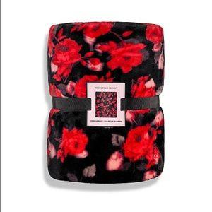 NIP Victoria's Secret Floral Fleece Blanket
